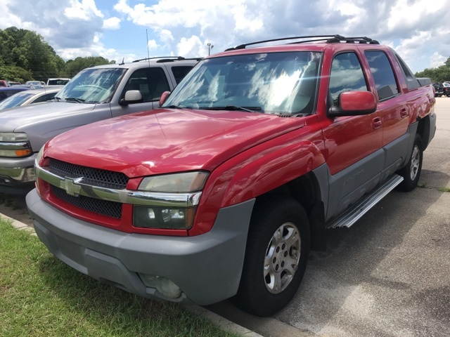 Pre-Owned 2002 Chevrolet Avalanche 1500