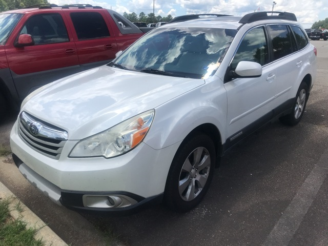 Pre-Owned 2011 Subaru Outback 3.6R